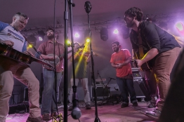 festy-2016-horseshoes-hand-grenandes-1