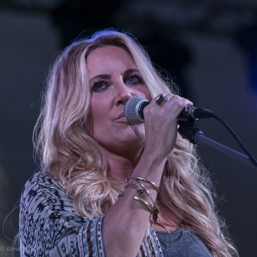 festy-2016-leann-womack-band-2