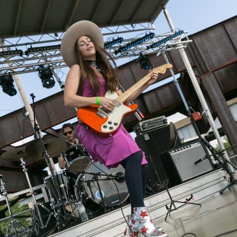 Angela Perley & The Howlin Moons @ Undercurrent Music Festival-7